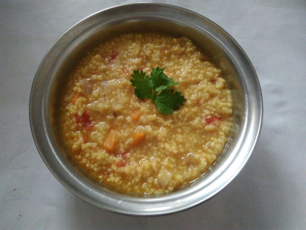 Thinai khichadi/ pongal (Foxtail millet)